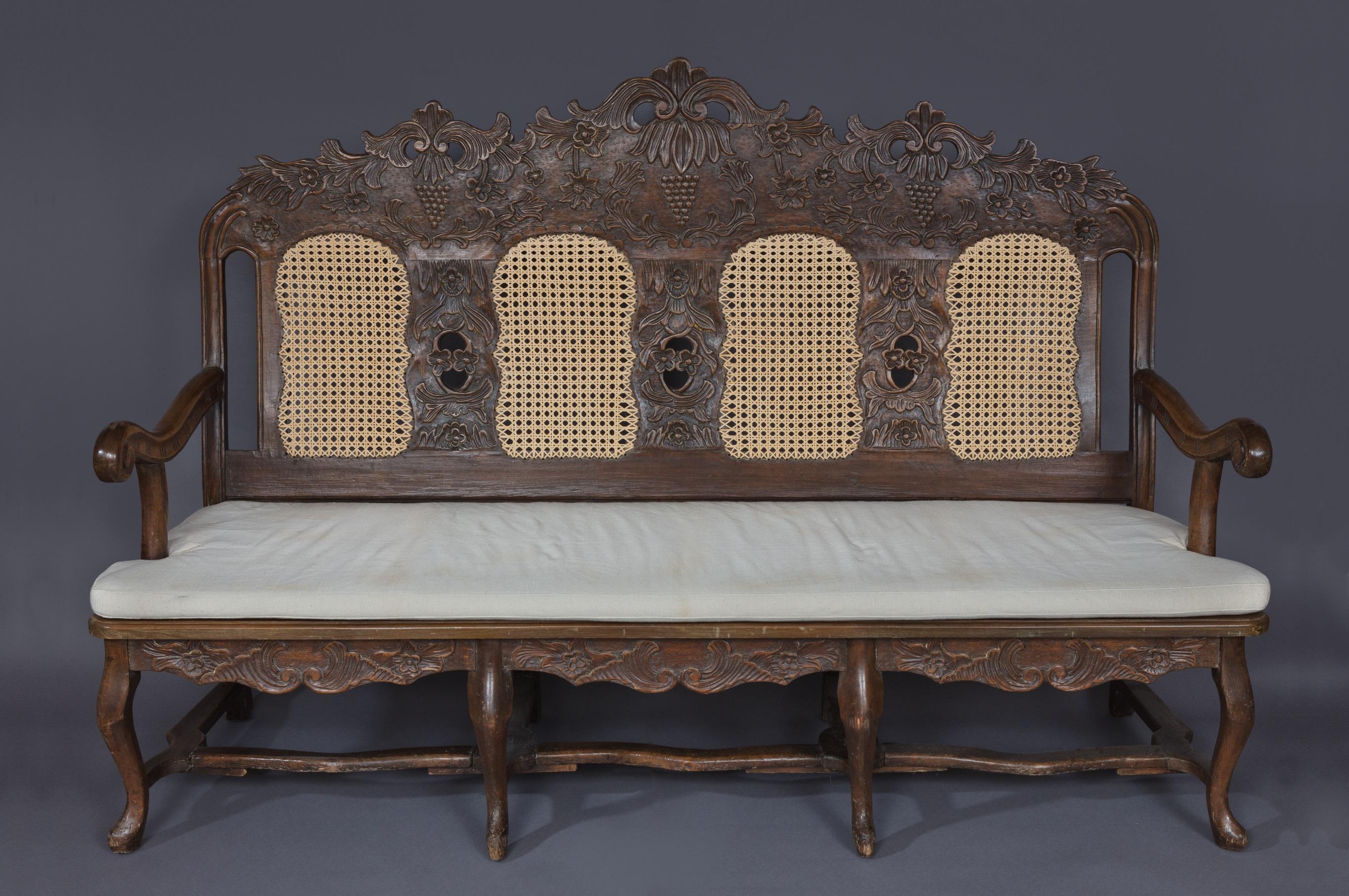 Sofa aus der Sammlung Schloss Tutzing